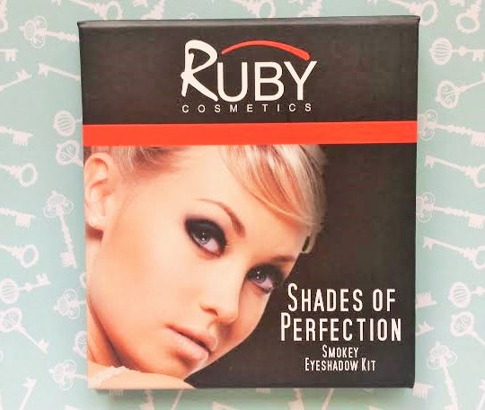 Smokey eyeshadow kit