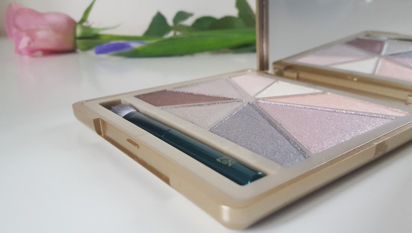 No 7 Glamourous Nudes Eye palette